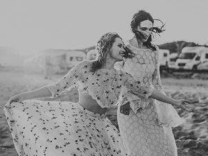 Fotoshoot vriendinnen strand
